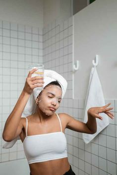 10 Habits To Adopt For A Successful Morning Routine Best Facial Treatment, Derma Roller, Broad Spectrum Sunscreen, Tinted Moisturizer, Skin Care Regimen, Skin Treatments, Oily Skin, Good Skin, Routine