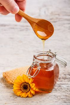 Check out Honey by Grafvision photography on Creative Market Easy Delicious Recipes, Easy Healthy Recipes, Delicious Food, Vinegar Diet, Cider Vinegar, Vinegar Hair, Apple Vinegar, Glace Fruit, Honey Packaging