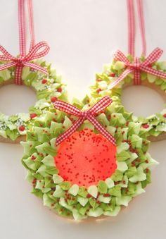 Christmas wreath cookies from Cakes Haute Couture