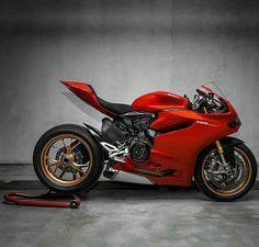 Ducati 1199 Panigale Custom Street Bikes, Custom Sport Bikes, Motos Honda, Ducati Motorcycles, Ducati 1199 Panigale, Motorcycle Wheels, Bike Photo, Super Bikes, Cool Bikes