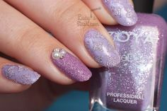 How to create textured nails using stencils/nail vinyls! Lavender textured nail art TUTORIAL http://www.lucysstash.com/2015/11/how-to-create-textured-nails-using-stencils-nail-vinyls-lavender-textured-nail-art-tutorial.html