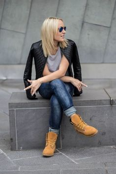 This Ideas how to wear timberland boots for girl 2 image is part from Outfit Idea to Wear Timberland Boots for Girl that You Must Try gallery and article, click read it bellow to see high resolutions quality image and another awesome image ideas. Mode Timberland, Timberland Outfits Women, Timberland Boots Outfit, Timberland Heels, Timberland Fashion, Spring Outfits Women, Winter Outfits, Casual Outfits, How To Wear Timberlands