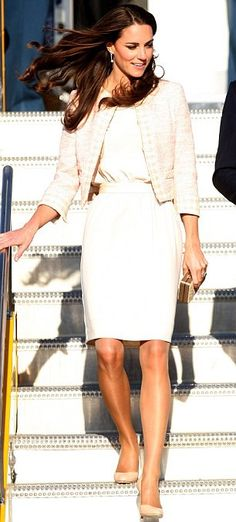Love Princess Kate's pencil skirt and tweed jacket, she looks so classy I had to repin!