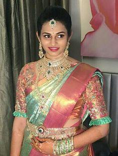 Wedding Saree Blouse Designs, Pattu Saree Blouse Designs, Half Saree Designs, Wedding Silk Saree, Bridal Sarees South Indian, Indian Bridal Fashion, Lehenga Saree Design, Kids Blouse Designs, Bridal Lehenga Collection