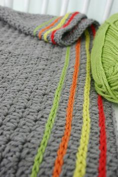 Inspiration for adding lines of color to projects such as blankets & scarfs & hats.... <3