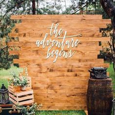 10 Wedding Photo Booth Decor Ideas to Have at Your Wedding – Diy Wedding 2020 Diy Photo Backdrop, Rustic Backdrop, Pallet Backdrop, Rustic Wedding Backdrop Reception, Wood Backdrops, Backdrop Ideas, Ceremony Backdrop, Rustic Wedding Signs, Wedding Signage