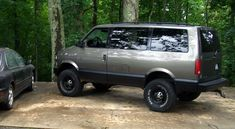 """My Chevy Astro with 6"""" lift on 33""""s"""