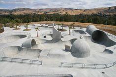 California Skate parks to open to BMX riders? Skateboard Photos, Skateboard Design, City Hall Architecture, Landscape Architecture, Bmx, Sport Park, Parking Design, Skate Park, Travel Usa