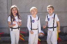 Nasa Costume, Diy Astronaut Costume, Costume Garçon, Crazy Costumes, Boy Costumes, Outer Space Costume, Space Costumes, Frozen Costume, Space Party