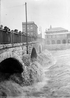 vintage everyday: 24 Amazing Vintage Photographs of the Rochester's Great Flood of 1913