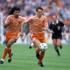 MARCO VAN BASTEN: AN UNDISPUTED LEGEND DESPITE A PREMATURE END
