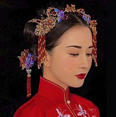 La mariée porter Chinois costume coiffe Couronne Xiuhe dragon robe perlée bijoux en gros rouge or cheveux accessoires en épingle à cheveux dans Bijoux de cheveux de Bijoux et Accessoires sur AliExpress.com | Alibaba Group
