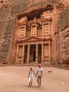 If you only have one week available, this is the right guide for you! #jordan #petra #travelguide Reading Buses, Jordan Petra, Bus Number, Roman Theatre, Visit Israel, Old Train Station, Jordan Travel, Best Sunscreens, Best Seasons