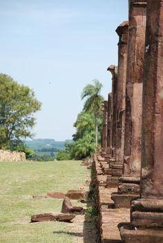 Imponentes Ruinas Jesuíticas de Santísima Trinidad del Paraná y de Tavarangué. Itapúa - Py