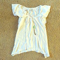 American Eagle soft tee Casual American Eagle shirt. Super cute staple American Eagle Outfitters Tops Tees - Short Sleeve