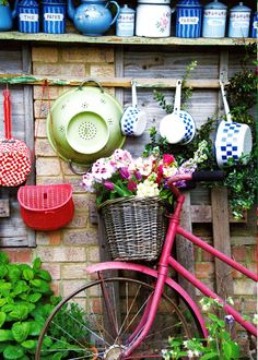 Pink bike with flowers ande garden shed Oh So ShAbBy By Debbie Reynolds Bicycle Basket, Old Bicycle, Bike Baskets, Bicycle Stand, Bicycle Decor, Velo Retro, Deco Champetre, Shabby, Love Garden