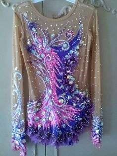 Купальники от Екатертны Казаковой Gym Leotards, Rhythmic Gymnastics Leotards, Gymnastics Outfits, Sport Gymnastics, Figure Skating Dresses, Ballroom Dress, Purple Lilac, Dance Outfits, Dance Costumes