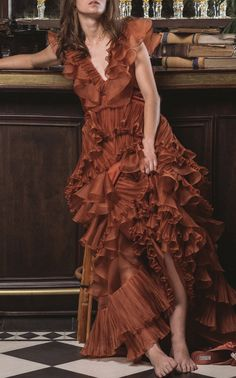 Get inspired and discover Johanna Ortiz trunkshow! Shop the latest Johanna Ortiz collection at Moda Operandi. Orange Gown, Moda Vintage, Silk Organza, Ladies Dress Design, Playing Dress Up, Bridal Style, Passion For Fashion, Designer Dresses, Style Inspiration