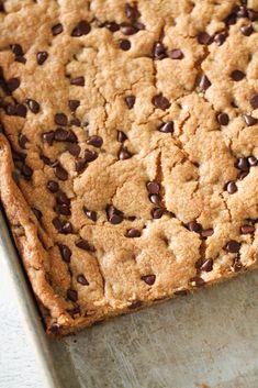 Sheet Pan Chocolate Chip Cookie Bars | Six Sisters' Stuff
