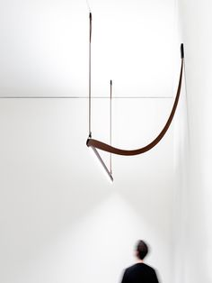 """""""The leather is a key for Belt, it has some freedom, but also a certain stiffness, that makes the line harmonious."""" - Ronan & Erwan Bouroullec Combining the Bouroullec aesthetic and luxury leather, Belt exemplifies pure unification and flexibility. #flos #floslighting #lightingdesign #italiandesign #interiordesign #designinspiration #interiorinspiration #modernlighting #contemporarylighting #belt #architecture #flosarchitectural #architecturallighting"""
