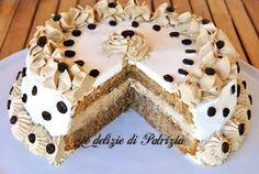 Mocha cake con ganache al caffe' by GabriellaScioni on DeviantArt Torte Cake, Cake & Co, Yummy Treats, Delicious Desserts, Mocha Cake, Sauce Crémeuse, Bulgarian Recipes, Mocca, Biscotti