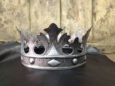 The Crown of the King (fairytale) on We Heart It Royal Crowns, Royal Tiaras, Crown Royal, Tiaras And Crowns, The Crown, Angel Halloween Costumes, Halloween Costume Accessories, Orishas Yoruba, Crown Crafts