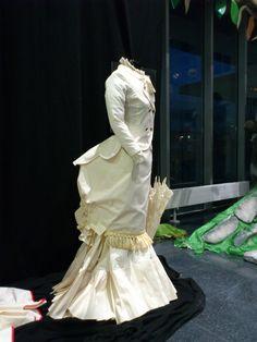 Vestido S.XIX rematado. 2013