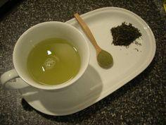 Η δίαιτα με πράσινο τσάι είναι απλή, εύκολη και υπόσχεται να μας βοηθήσει να χάσουμε έως και 8 κιλά το μήνα, αλ�...