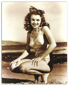 Marily Monroe 1945. Photo by Andre De Dienes.