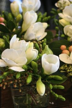 Individual flowers for each of the guests: Wedding Favours