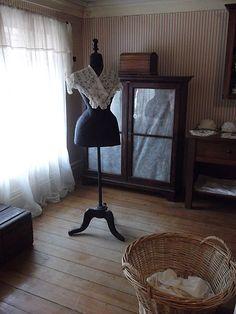 Osmar do Prado e Silva (Pu3yka) Pelotas - Bairros - Areal - Museu da Baronesa Ceiling Lights, Home Decor, Museum, Ceiling Lamps, Interior Design, Home Interior Design, Ceiling Fixtures, Ceiling Lighting, Home Decoration
