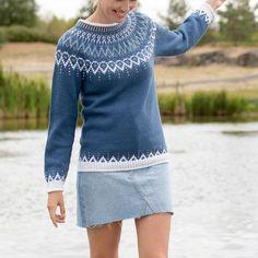 GU-007 Mammahjerte genser – Gullungen Garn Fair Isle Knitting Patterns, Knit Patterns, Icelandic Sweaters, Nordic Sweater, Sustainable Clothing, Knit Fashion, Mode Inspiration, Autumn Winter Fashion, Knit Crochet