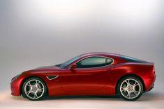 8C Alfa 8c, Alfa Romeo 8c, Alfa Romeo Cars, Chasing Cars, Fiat 500, Maserati, Classic Cars, Funny Pictures, Engineering