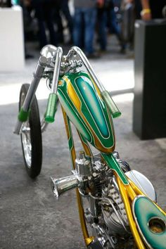 Old Classic Harley-Davidson Motorcycles Chopper Motorcycle, Bobber Chopper, Motorcycle Style, Custom Bobber, Custom Motorcycles, Custom Bikes, Custom Moped, Custom Cars, Harley Davidson Panhead