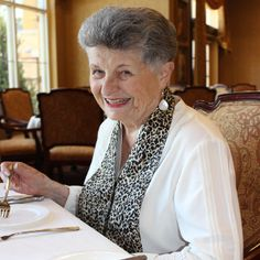 The Snarf Scarf: Neat Eating for Style & Dignity – Senior Care Corner Show