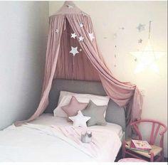 Traumhafte kuschelecke mit betthimmel und kissen kuschelecke pinterest kinderzimmer - Kinderzimmer eiskonigin ...
