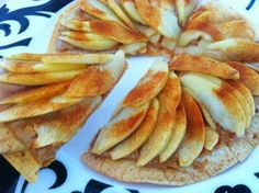 Apple Cinnamon and Peanut Butter Dessert Pizza | Caroline's Edible Creations