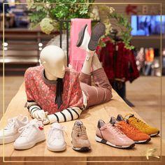 4600bb8760b9a0 83 beste afbeeldingen van Shoes   Sneakers in 2019 - Loafers   slip ...