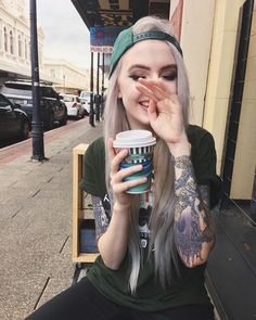 Edge Lord - Grunge Hündin - tattoo tattoo ideas for women for women ideas girl body girl design girl drawing girl face girl models ideas for moms for women Hot Tattoo Girls, Tattoed Girls, Inked Girls, Trendy Tattoos, Sexy Tattoos, Girl Tattoos, Grunge Tattoo, Skater Girl Outfits, Punk Outfits