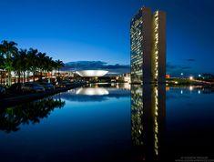 Fotografías nocturnas de la Brasilia de Oscar Niemeyer ganan en los Premios Internacionales de Fotografía 2013,© Andrew Prokos