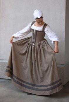 """*** Finally! The """"Kirtle of Perpetual Procrastination"""" is complete! I'm now one step closer to finishing that elusive fitted gown outf..."""