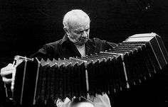Masters of the Tango! Astor Piazzolla - World's Finest Tango Musician Blues, Argentine Tango, Old Singers, Music Images, Music Humor, World Music, Sound Of Music, Dance Music, Classical Music