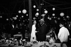 Stylist Xaviera Aubri trouwt met Rivelino Rigters in een jaren '20 stijl warehouse wedding