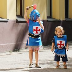 Quick & Easy No-Sew Knight's Costume – The Bear & The Fox - Kids costumes