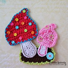 Crochet Mushrooms applique pattern - DIY by VendulkaM on Etsy https://www.etsy.com/listing/78591207/crochet-mushrooms-applique-pattern-diy