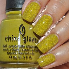 Vintage Wallpaper Inspired Nails--But is there a woman behind them? #charlotteperkinsgilman
