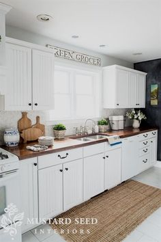 Drool Worthy Decor : Farmhouse Kitchens • Join us in our tour of some amazing bloggers Farmhouse Kitchens! Love this one, from Marian at 'Miss Mustard Seed'! Thanks for sharing your home with us Marian! #kitchen...