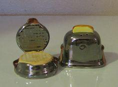 Adorable Arcadia Vintage Miniature Salt and Pepper Shakers Waffle Iron Toaster