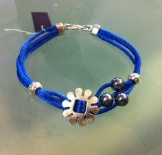 a0d3435796a5 Pulsera cola de ratón azul con abalorios - Etxearte