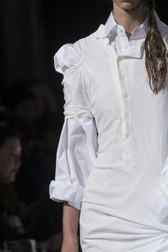 Yohji Yamamoto at Paris Fashion Week Spring 2018 - Details Runway Photos